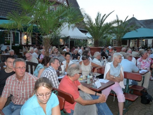 weindorf-7-masse-2009-08-24-wahlkampf-033.jpg